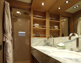 guest-bathroom64C80786-D70A-CC48-4FCA-EEA4A36DA030.jpg